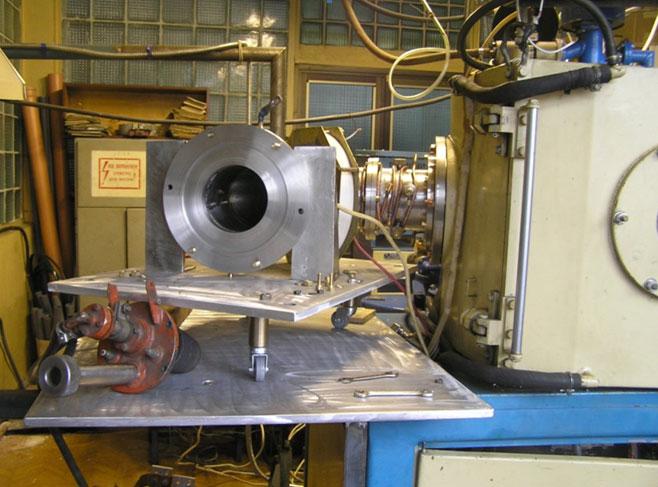 Модернізована установка на базі ННВ-6,6 з електромагнітним сепаратором  вуглецевої плазми