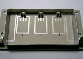 Макет 3-резонаторного перестроюваного фільтра з напівпровідниковими варикапами